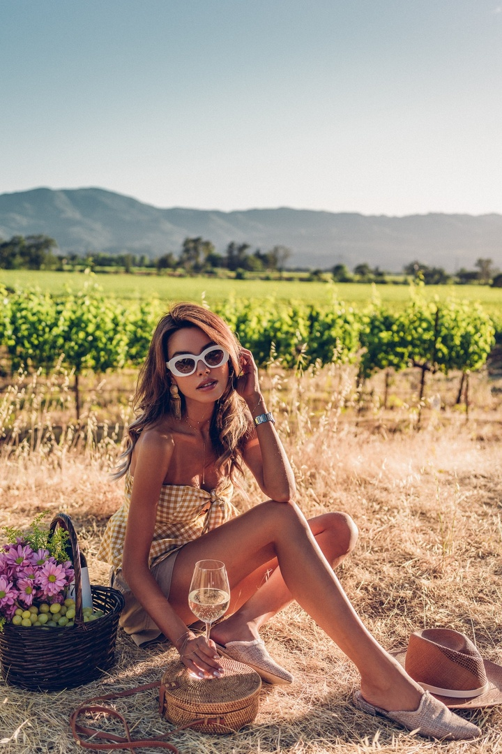 Napa Valley travel diaries - sunset picnic in the vineyards  #Napa #NapaValley #travel #ootd #whatiwore #shopthelook #SummerStyle #SpringStyle #fashion