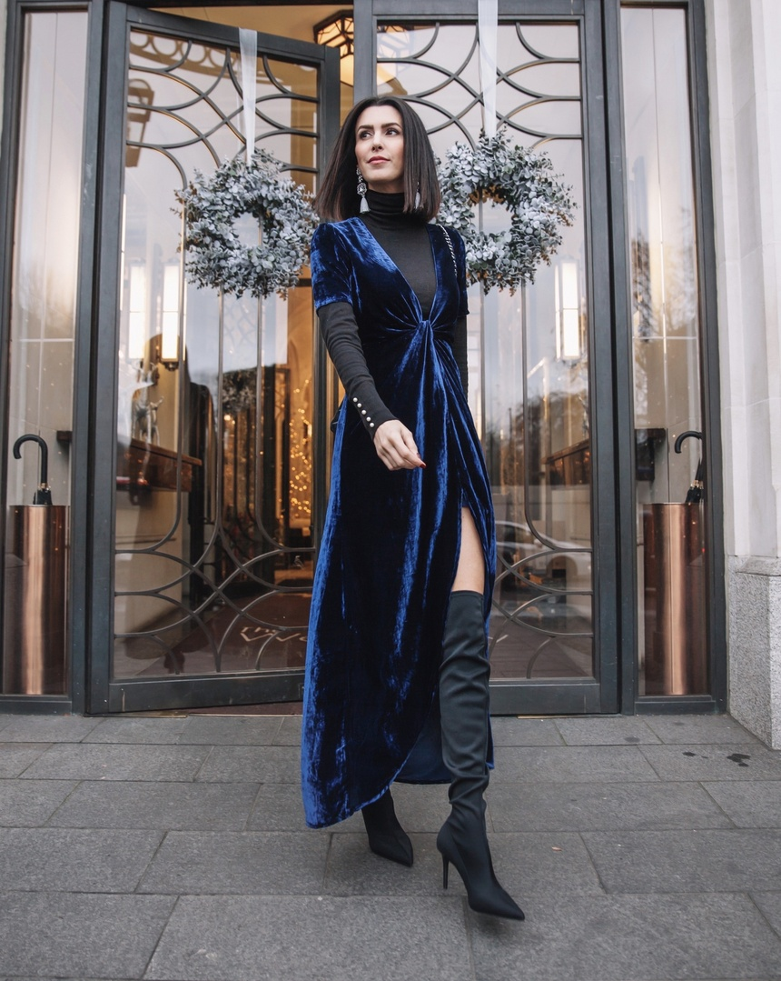 Stepping out in velvet for Christmas Eve  #winterlayering #holidaystyle #holidayoutfit #velvet #london #streetstyle #ShopStyle #ssCollective #ootd #mylook #lookoftheday #currentlywearing #todaysdetails #getthelook #wearitloveit #shopthelook
