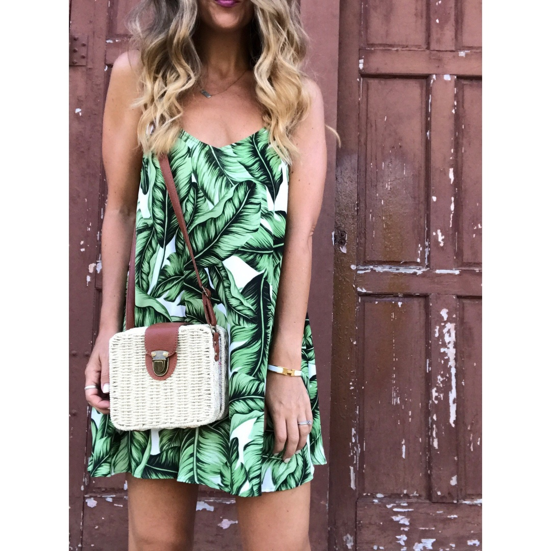 Nothing says summer in Florida like a fresh front print.  I love this tunic dress by Show Me Your Mumu!!