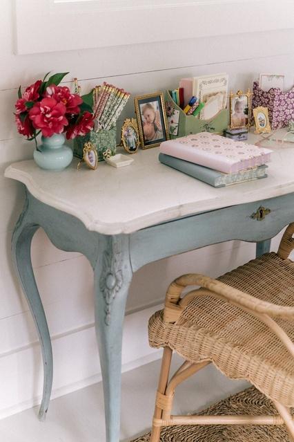 Motivation Station: Making Your At-Home Desk An Inspiring Spot
