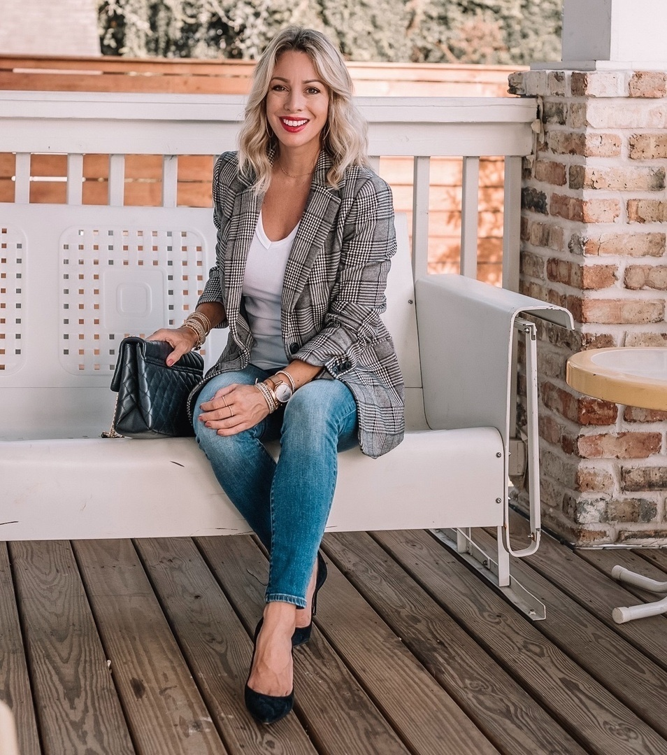 Good morning friends!  I'm partnering with @gap today to share 4 ways to wear your white tee this Fall. This dressed up look with jeans and the perfect white tee is great for casual Friday at the office or anytime you want to look more polished. Almost everything is 50% off during Gap's pre-Labor Day Sale w an EXTRA 25% off! #GapDenim #ad @ShopStyle