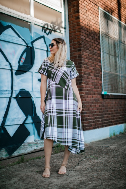 lenge #Lifestyle #Beauty #TrendToWatch #fashion #styleblogger #fallfashion #fall2019streetstyle #streetstyle #dress #coolgirl