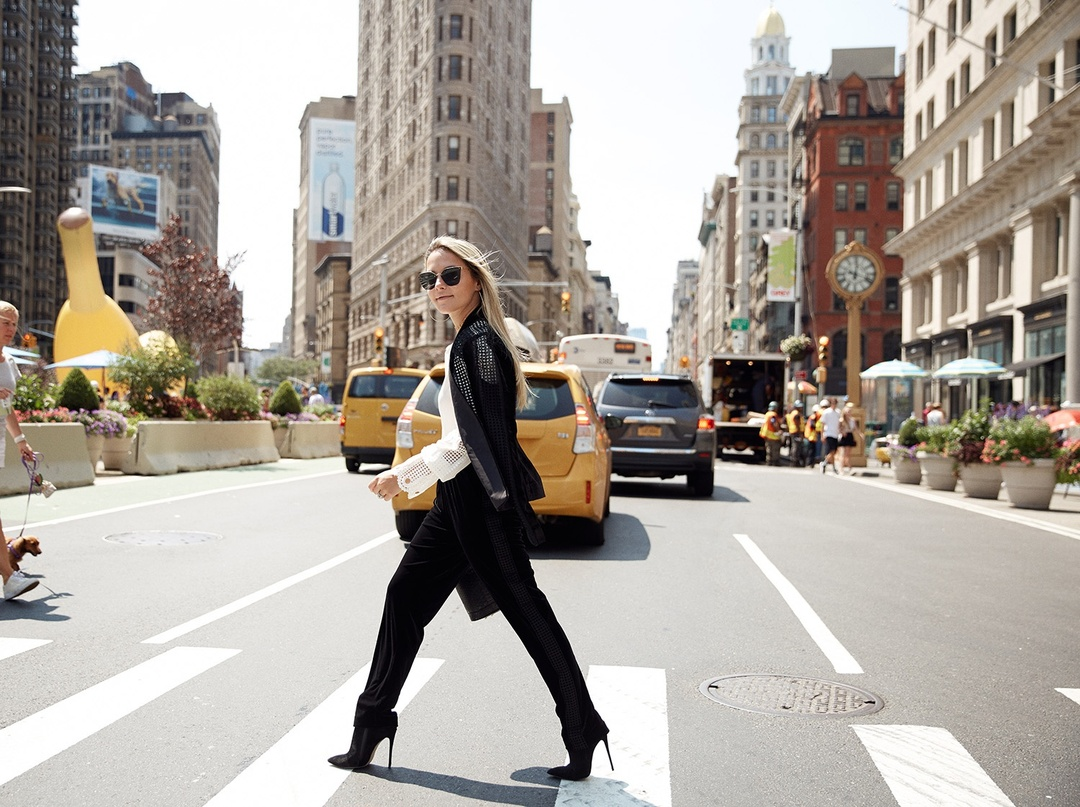 Velvet Suit for Fall #kobi #macyslove #macys #fall #trend #getthelook #lookoftheday #ootd