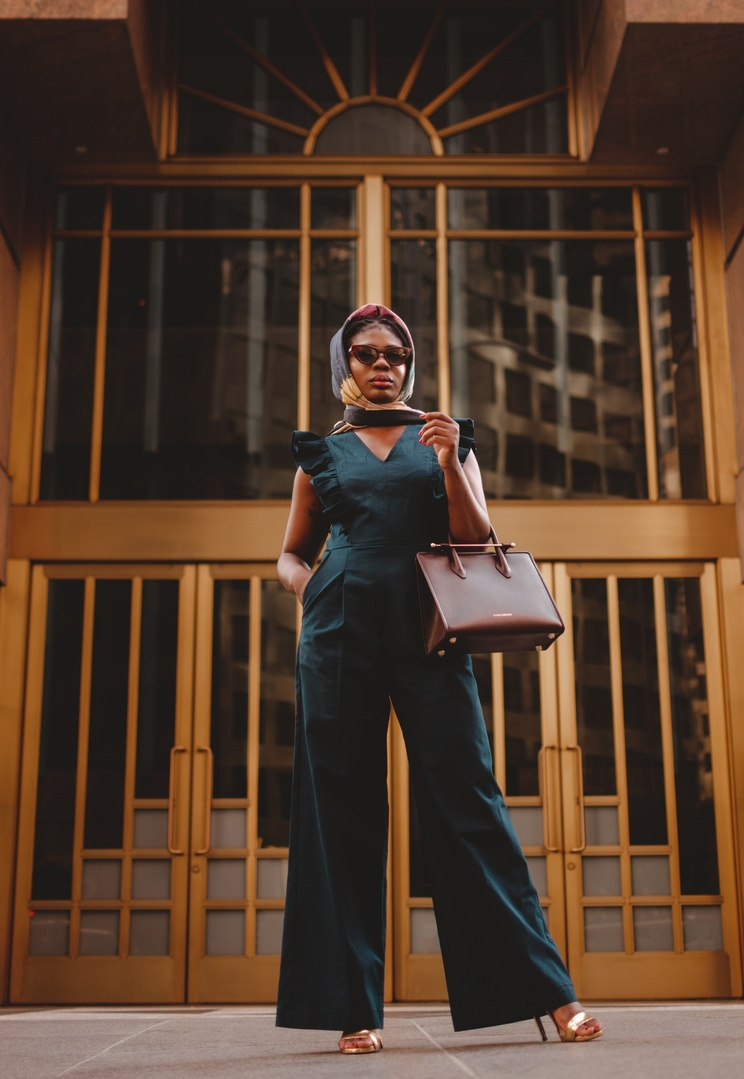 Look by Niké Ojekunle featuring Midi Bi-Color Leather Tote