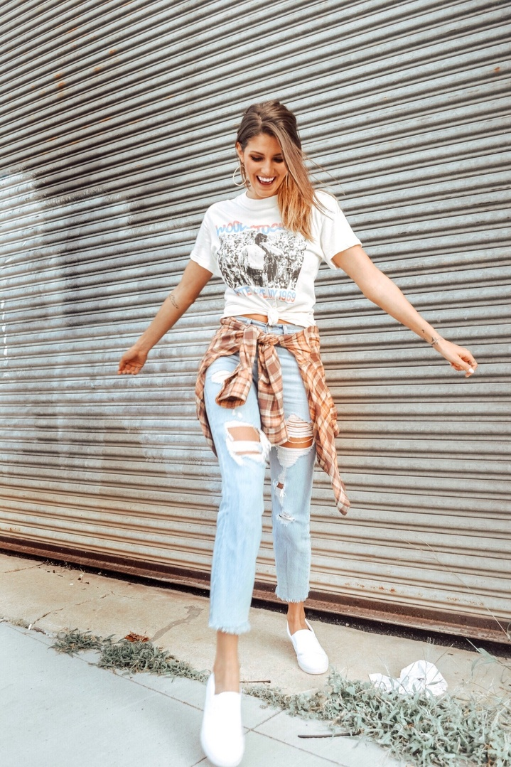 ght! Linked some similar pieces for this outfit below! #TrendToWatch #ShopStyle #MyShopStyle #levis #graphictees #fallfashion