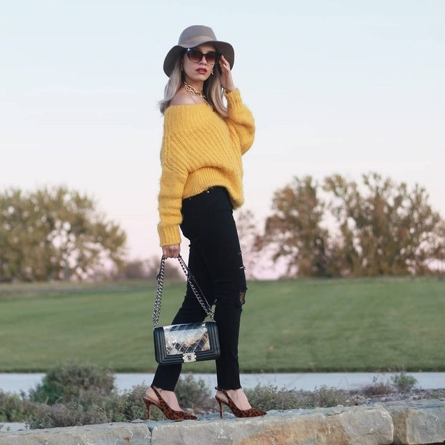 Its a  gorgeous day out. Sunny day and awesome weather for Cozy Sweater. . #ShopStyle #TrendToWatch #Lifestyle #Petite