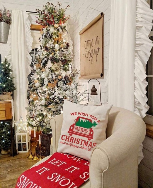nter #ModernFarmhouse #Christmas #ModernFarmhouseChristmasDecor #DecorIdeas #FarmhouseDecor #ChristmasPillows #ChristmasDecor