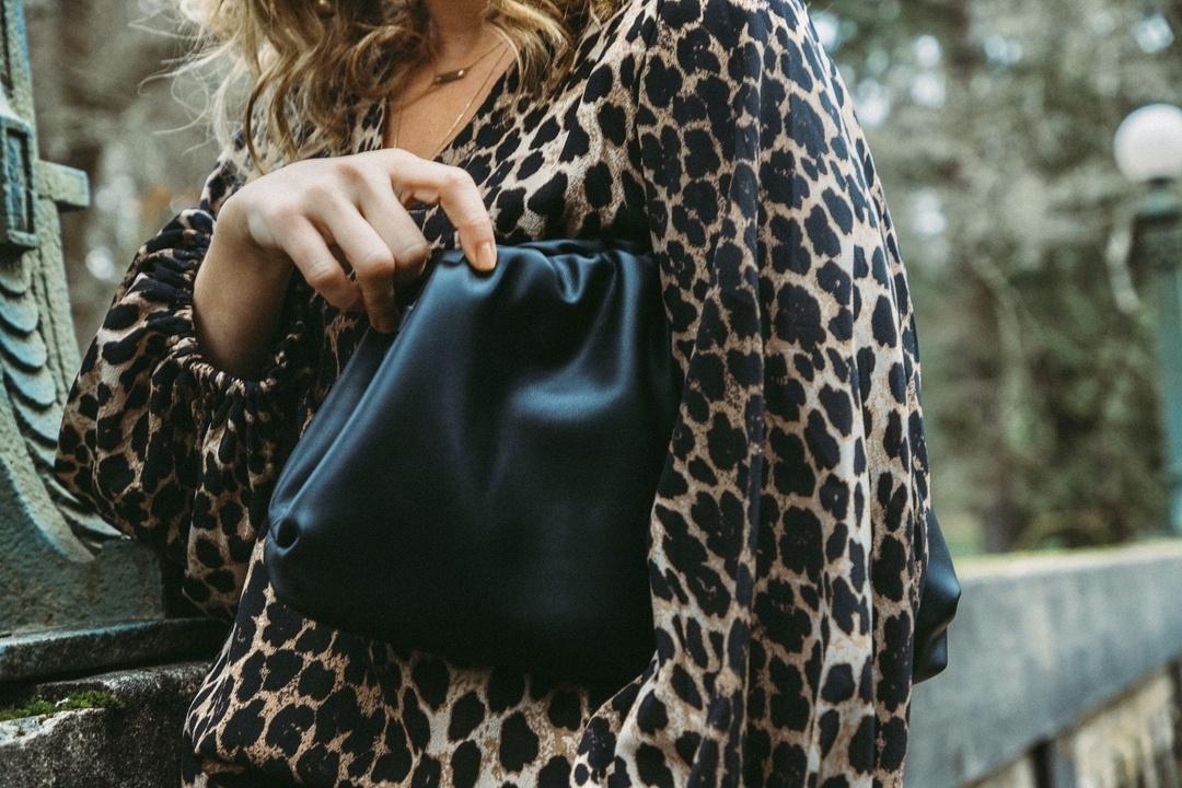 Women Simple Dumplings Messenger Bag Designer Retro Fashion Cloud Female Crossbody Shoulder Bag Tide Handbag Clutch Bag