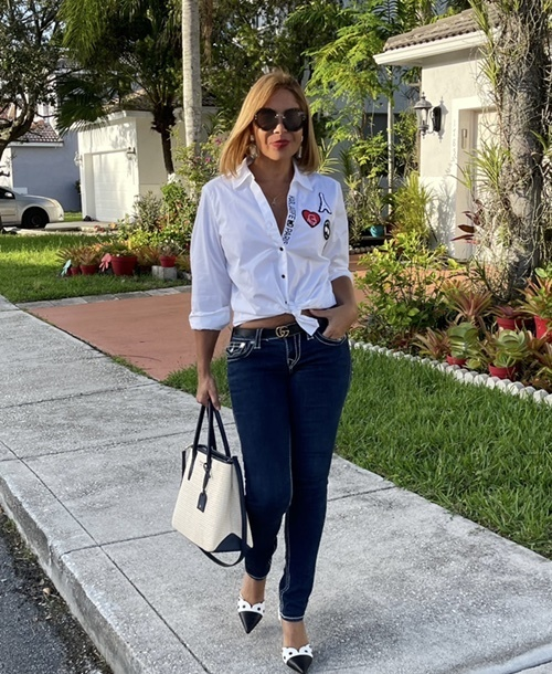 ight #casualstyle #lifestyle #weekendfashion #over40fashion #weekendstyle #bloggerstyle #myshopstyle #jeanlover #fashionlover