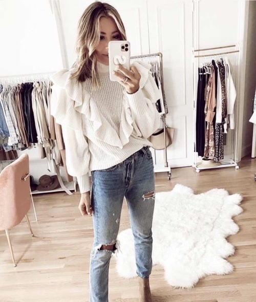 allsweaters #whitesweater #winteroutfitideas #trending2020 #womensfashion #cuteoutfitideas #cozyoutfits #datenightoutfitideas