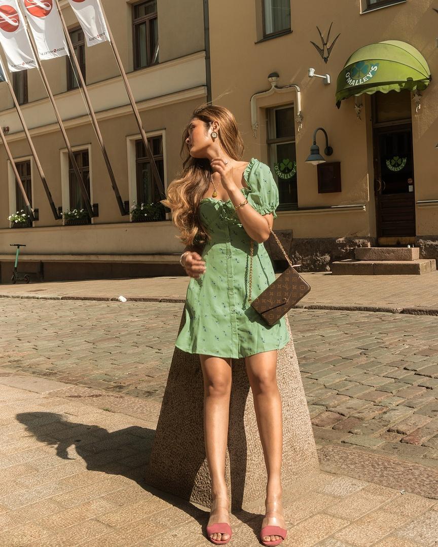 Soft green summer dress #asos #summerdress #greendress #louisvuitton #louisvuittonfelicie #lvbag #Petite #TrendToWatch #Lifestyle #ShopStyle #MyShopStyle #Holiday