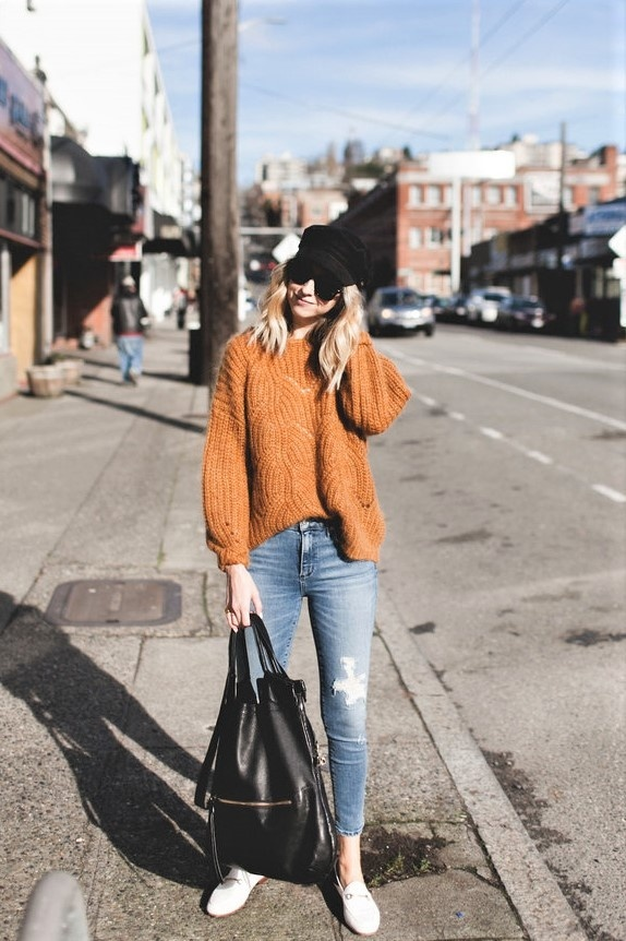 #shopthelook #OOTD #TravelOutfit #WeekendLook #citylook #comfy #autumn #falloutfit #fallfashion #autumnlook #bakerboy #orangesweater #backtoschool #schooloutfit