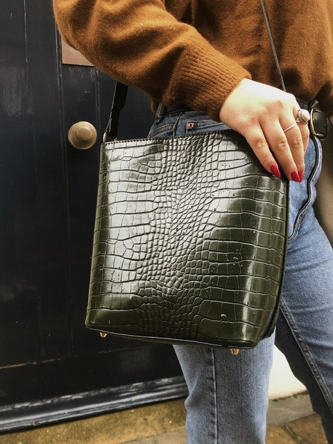 Holiday #Winter #Party #Lifestyle #TrendToWatch #Travel #Vacation #Petite #Autumn #Fall #autumnal #bags #style #ootd #outfits