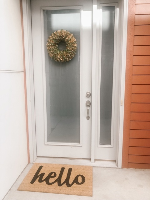needed new doormat from @wayfair and a wreath decorated with vine. 🍁  #ldw #fall #autumn #homedecor #september #welcomehome
