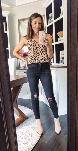 ile ☝🏻😊and at https://shopstyle.it/v/AN2  . . . . . #ootd #leopardstyle #mamastyle #momdaughterblog #shopstyle #myshopstyle