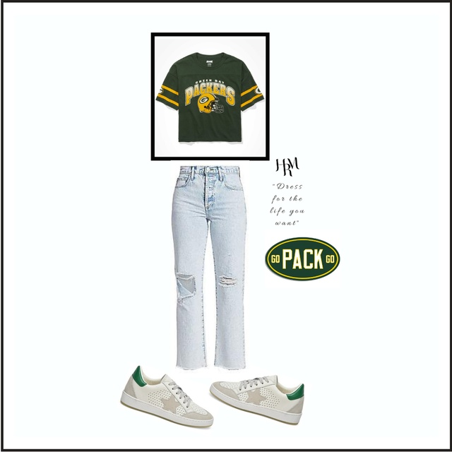 Mom Jeans while Rockin' Packer's Gear
