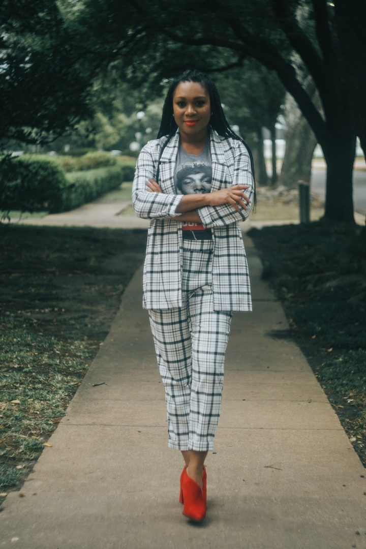 I mean business! #ShopStyle #MyShopStyle #LooksChallenge #ContributingEditor #Beauty #Lifestyle #TrendToWatch #plaid #plaidsuit #graphict #spring #springsuits #womensuit