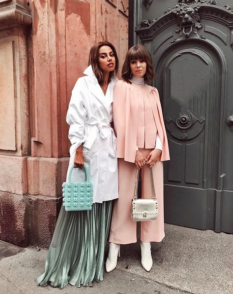 too many of; good shoes and good friends 🤗 Especially thankful for this one by my side @VivaLuxuryBlog 💕 #milan #mfw  #OOTD