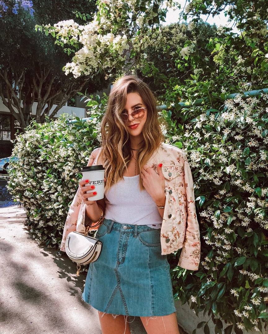 Florals on florals 🌸 #whatiwore #ootd #travelblog #travelblogger #blogger #pinterest #inspo #fashionblogger #blog #fashionblog #instablog #instafashion #outfitinspo #instastyle #ootdmagazine #igstyle #styleblogger #instagood #personalstyle #wiw #igfashion #hairinspo #ombre