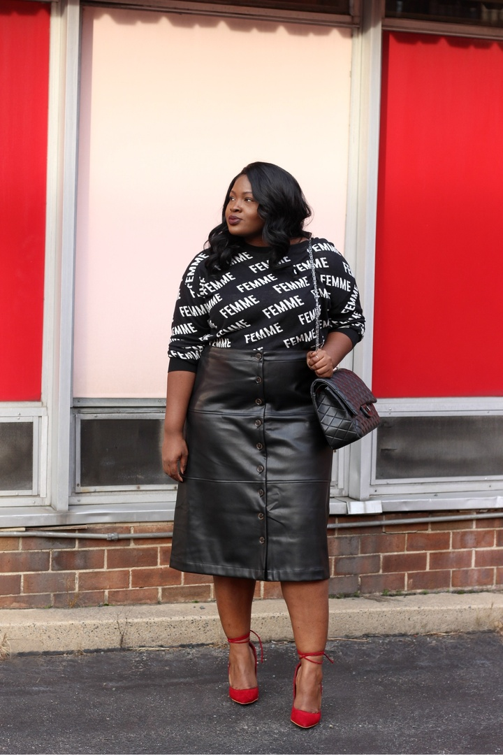 Balenciaga vibes or nah had to have this logomania inspired sweater from express wearing an XL. There is a new post on the blog we are discussing being more intentional in this new year cause clothes matter but our wellbeing matters more visit supplechic.com to join in on the conversation xo #workwear #PlusSize #ContributingEditor #LooksChallenge #ShopStyle #TrendToWatch