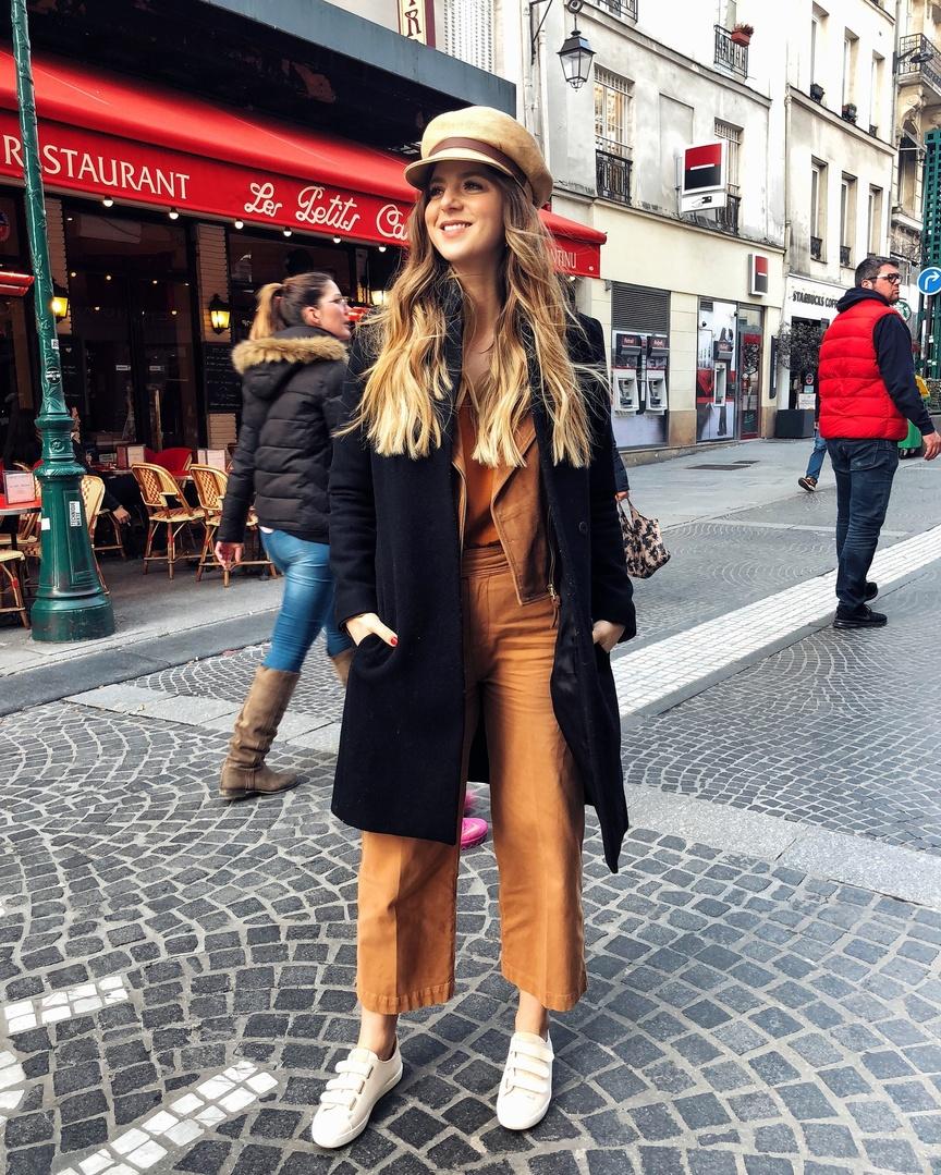 All the camel colors 😍 @sezane #whatiwore #ootd #travelblog #travelblogger #blogger #pinterest #inspo #fashionblogger #blog #fashionblog #instablog #instafashion #outfitinspo #instastyle #ootdmagazine #igstyle #styleblogger #instagood #personalstyle #wiw #igfashion #hairinspo #ombre #paris #sezane