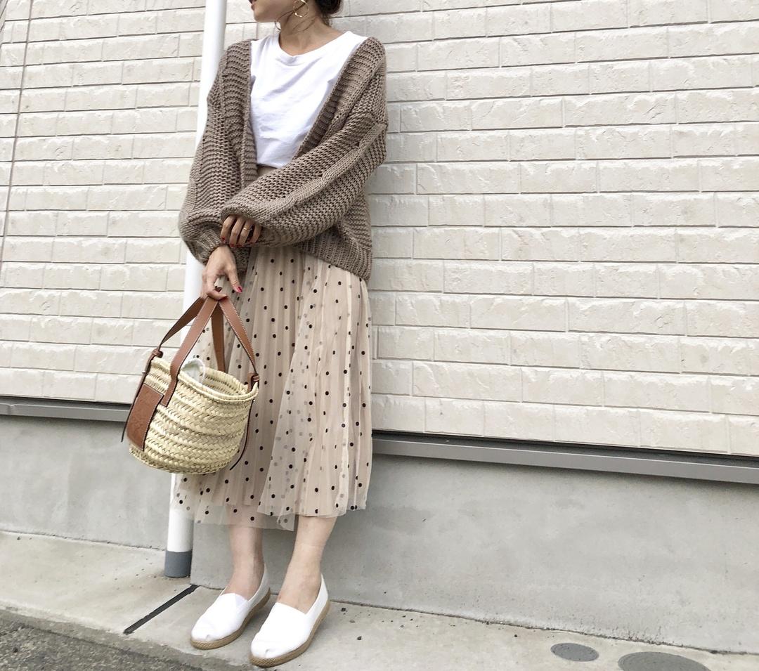 お気に入りのポルカドットのスカートと、ロエベのカゴバッグ♡合わせやすくて使いやすい❤                                                      新作のguエアリーエスパドリーユは史上最高に軽くて足にフィットするからヘビロテ確定!