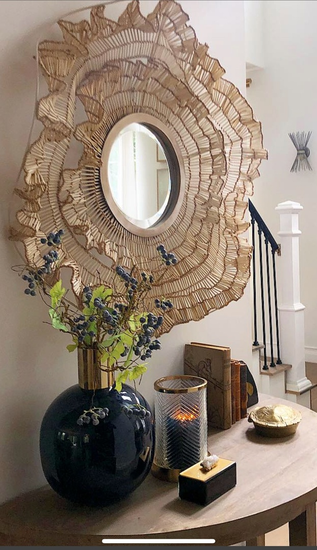 """Feeling the need for an entryway re-fresh? Say """"hello"""" to these fresh ideas. #homestyle #Winter #stagingstyle #Lifestyle #hello #decor"""