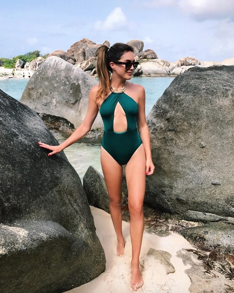 #ootd #mylook #lookoftheday #summerstyle #wearitloveit #getthelook #currentlywearing #onepiece #swimwear #summervacation #islandlife #beach #celine
