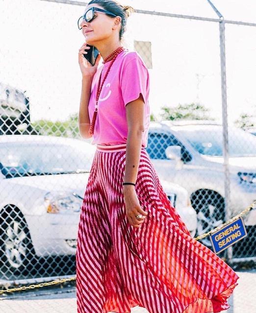 ear #blogger #fashionblogger #fashion #street #streetstyle #streetfashion #parisfashionweek #fashionweek #fw #pfw #pink #vibe