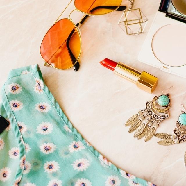al top, orange sunglasses, and green drop earrings. #ootd #mylook #ShopStyle #MyShopStyle #LooksChallenge #Flatlay #Lifestyle