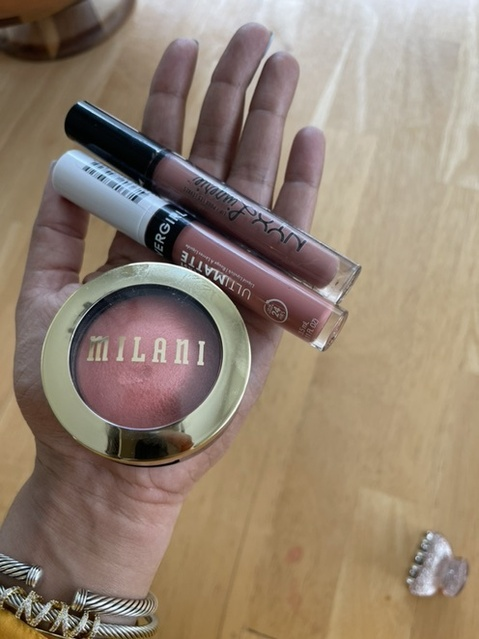 My go to lip colors recently. NYX ruffle trim, cover girl outlast ultimatte in very sancere, Milani blush in luminoso
