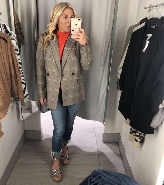 your look ladies! Grabbed this blazer at H&M and fell in love 🥰! Perfect work blazer! Toss in and go! #workattire #workwear