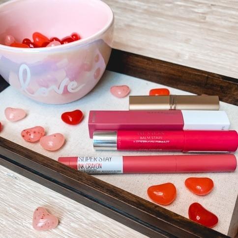 Valentine's Day Pink Lips 💋    #Holiday #Flatlay #Beauty #Beauty