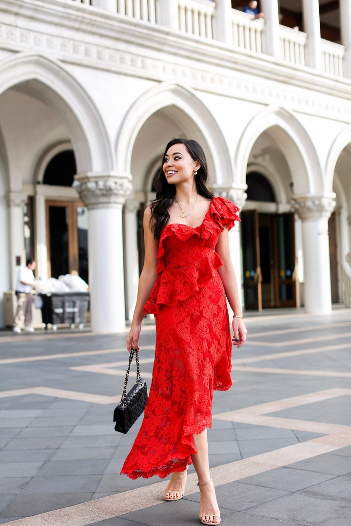 A pop of red in Vegas!  #ad #ootd #reddress #holidaystyle