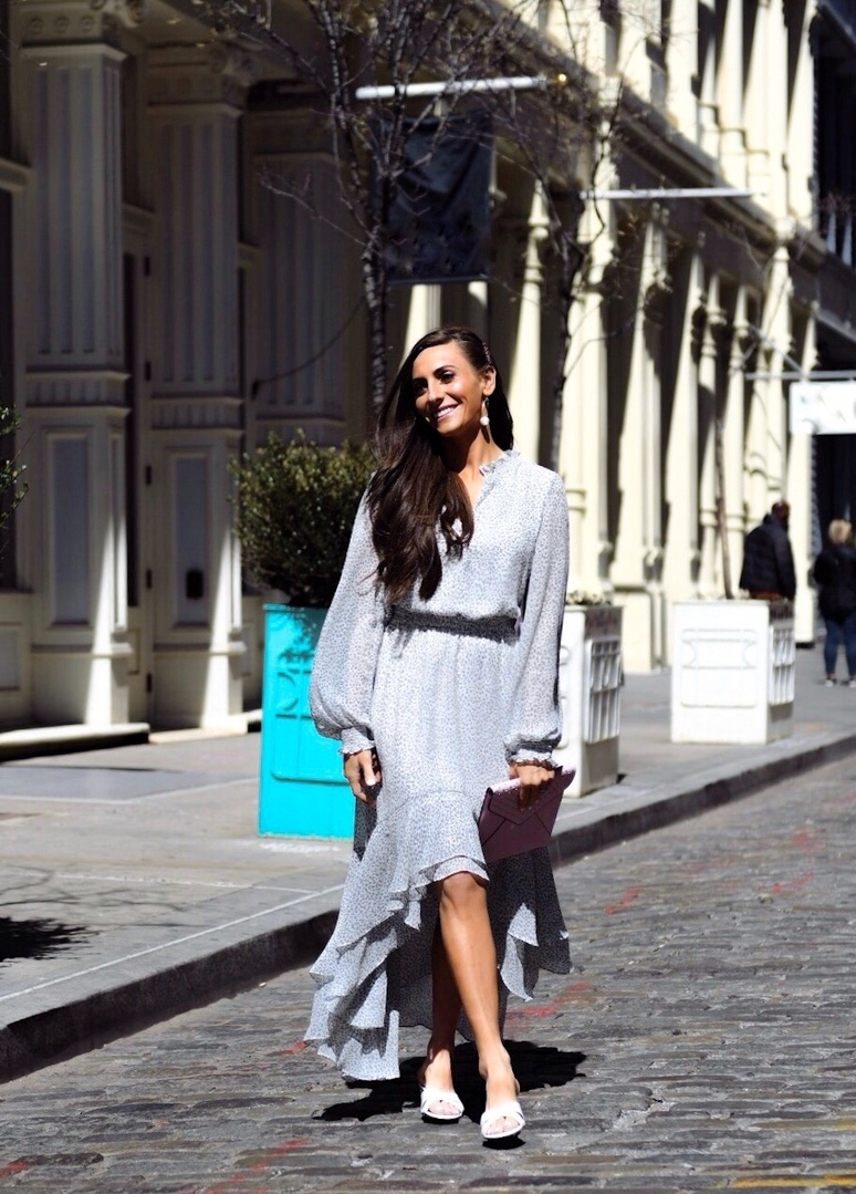 The weather's finally changing ☀️which means I'm officially switching over my closet from sweater and boots to flowy dresses and sandals! You can get so many amazing pieces, like I'm wearing here, on sale @lordandtaylor during their Friends + Family Sale, where almost everything is an extra 30% off with 15% off almost all beauty! Sale ends April 15! #Ad #LordandTaylor See my full blog post #LinkInBio @ShopStyle