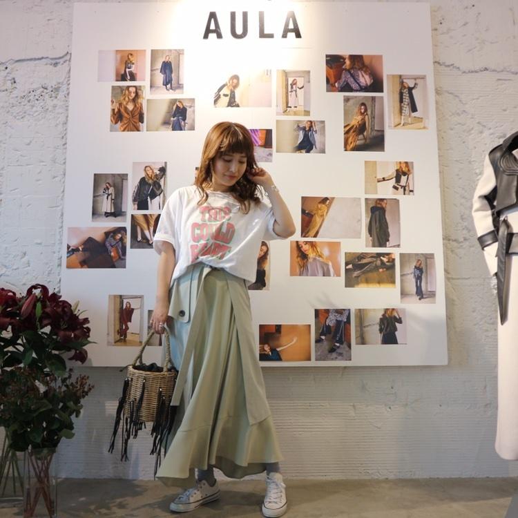 今日は、朝から @natsum10803 ちゃんに誘ってもらって【AULA(@aula_official )】の展示会へ♡ ∵ 可愛いお洋服たくさんあったけど、チュールのワンピース⁉︎をオーダー♡夏に届くらしいので、長くたくさん着ようと思います‼︎ ∵ ∵ #AULA #展示会 #展示会巡り#aulaaila #アウラアイラ #トレンチスカート #アシンメトリースカート #クリアミュール #coordinate #ママコーデ #ママファッション #大人ファッション #30代コーデ #大人可愛い #ミヤマリ #vocest #vocemagazine #美容ブロガー #インフルエンサー #ヘアアレンジ #ママ #男の子ママ #mamagirl #おしゃれさんと繋がりたい #shopstyle