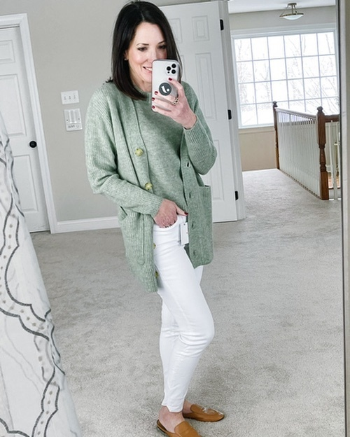 n right now?  I've got this and more early spring styles in today's try-on haul. #ontheblog #colorcrush #springdreaming #ootd