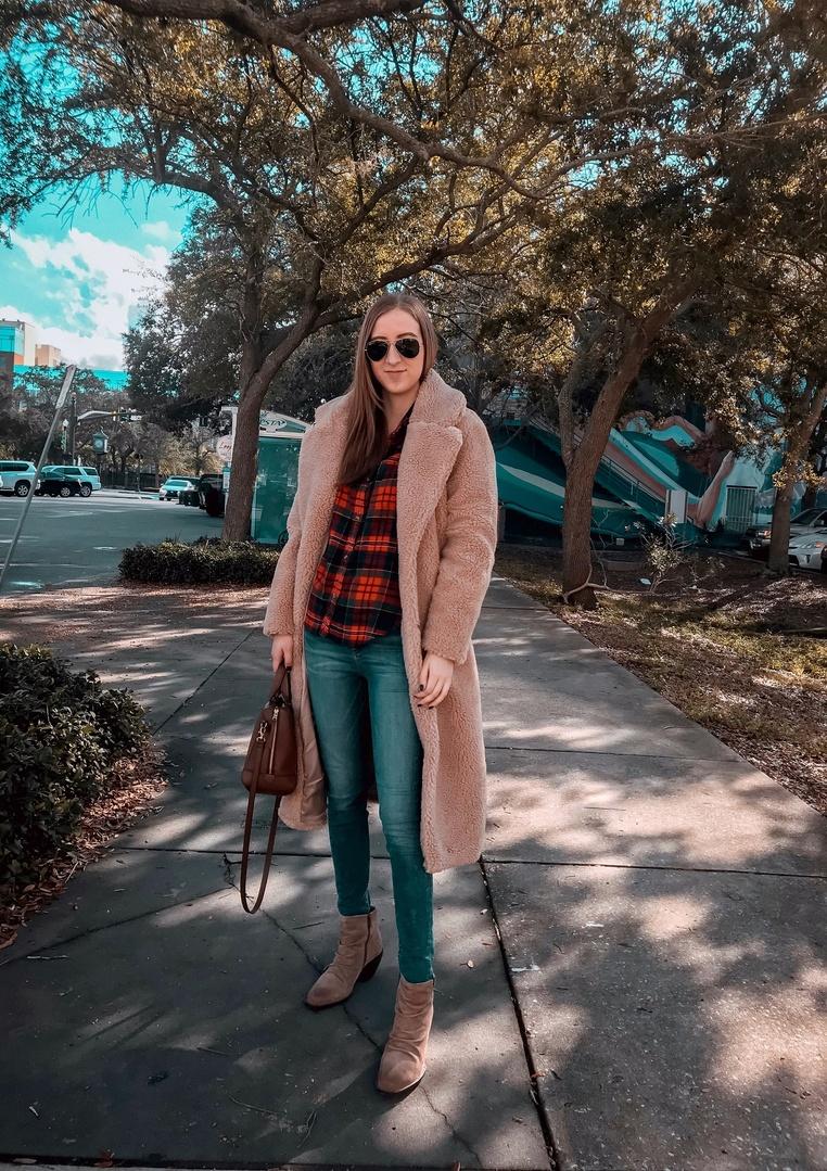 dycoat #teddybearcoat #winterfashion #winteroutfit #stpete #flannel #flannelshirt #fallfashion #falloutfits #coat #coatseason