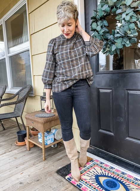 tfit for turkey day! Stretchy yet flattering jeans, comfy blouse, cute boots. Done.  #ShopStyle #MyShopStyle #Winter #Holiday