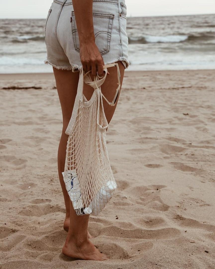 Beach bag + Levi's cut-offs #shopthelook #SummerStyle #MyShopStyle #BeachVacation #WeekendLook #beauty #summerbeauty #Levis