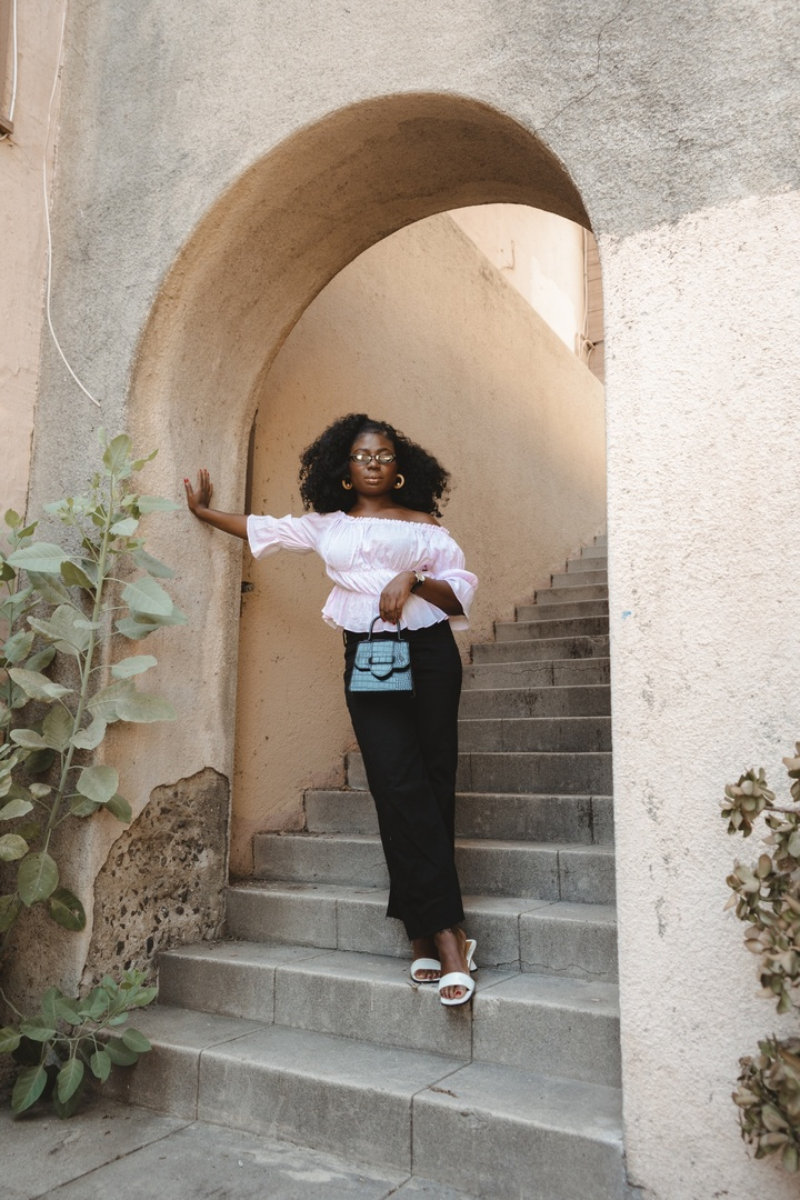 Look by Niké Ojekunle featuring Penny Pull-On Flare Jeans