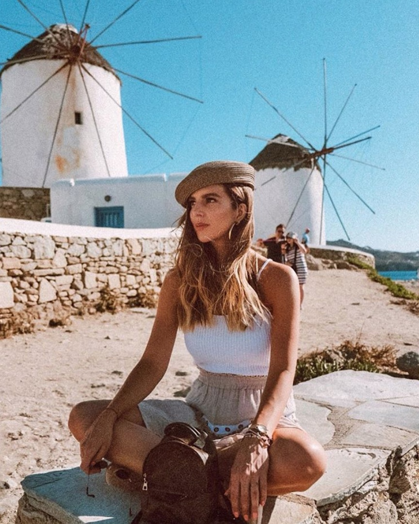 The W I N D M I L L S of Mykonos 💙 #whatiwore #ootd #travelblog #travelblogger #blogger #pinterest #inspo #fashionblogger #blog #fashionblog #instablog #instafashion #outfitinspo #instastyle #ootdmagazine #igstyle #styleblogger #instagood #personalstyle #wiw #igfashion #hairinspo #ombre #greece #mykonos