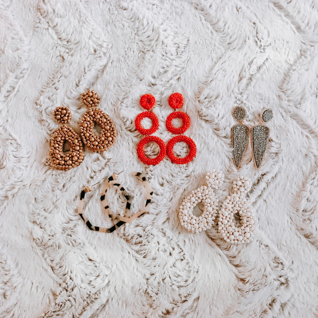 Rounded up some of my favorite earrings right now from BaubleBar! #ShopStyle #shopthelook #SpringStyle #SummerStyle #MyShopStyle #WeddingGuestLooks #BeachVacation #BirthdayParty #WearToWork #BlackTieLooks #NYFW #GirlsNightOut #DateNight #WeekendLook #TravelOutfit #OOTD #statementearrings #earrings #baublebar #fashionblogger #styleblogger