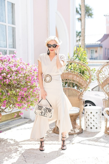 espadrille and seasonal bag to go 100% resort 🖤  #ShopStyle #MyShopStyle #ContributingEditor #TrendToWatch #Travel #Vacation