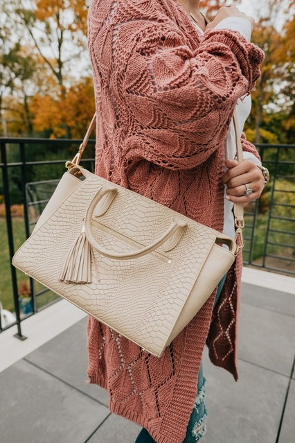 My handbag is on major sale! It's so gorgeous and such a classic. 🖤 #MyShopStyle #ShopStyle #LooksChallenge