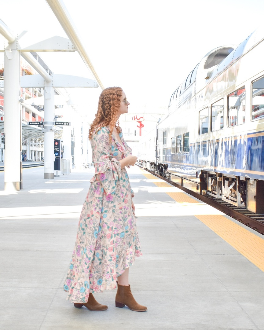 Ready for a train trip to anywhere but here 🚞 #firstblog #travelblog #sydney #australia #sydneytravel #travelguide #australiatravel #aus #travelblogger #fashionblogger #spelldesigns #spellbyronbay #spellandthegypsycollective #ootd #dailylook #mystyle #stylediaries #styleinspo #pinkdress #floral #floralprint #maxidress #summertofall #fashionista #coloradoblogger #denverblogger #unionstation