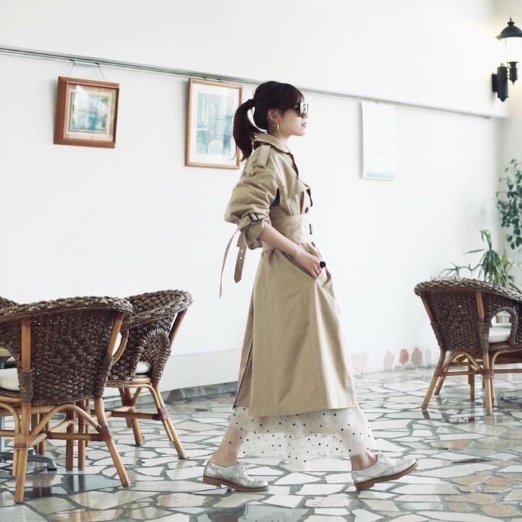 ✔︎ootd . . コルセットみたいなデザインに一目惚れしたトレンチ。 . 届くまで1ヶ月待ったけど← 値段の割に生地も縫製もしっかりしてて高見えです❁*⋆ .  白いスニーカーと、スクエアパンプスがほしい。。 . .  コート: @ellemo.shop  スカート: @grace_continental.div  スニーカー: @tsumori_chisato . .  #fashion #ootd #outfit #coordinate  #instafashion  #ファッション #プチプラ #プチプラコーデ #今日の服 #今日のコーデ  #シンプルコーデ #きょコ #いつコ #トレンチコート  #dior #カジュアルコーデ #春コーデ  #着回し #着回しコーデ #今日のコーディネート #ponte_fashion  #ポートレート部 #大人カジュアル #大人ファッション #高見えコーデ #mineby3mootd #kyoto