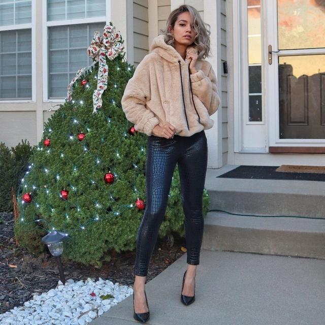 similar look on my blog. #ShopStyle #MyShopStyle #LooksChallenge #ContributingEditor #TrendToWatch #Lifestyle #Winter #Petite
