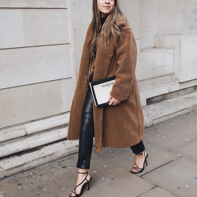 """the other and keep going."""" Straight into 2020🥂🎉🥂#myshopstyle #shopstylecollective #winterstyle #minimalstyle #streetstyle"""