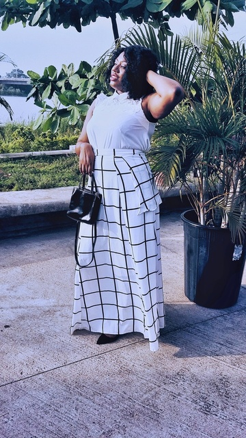 or #minimalstyleinfluencer #lessismore #mystylediary #minimalfashion #winniesstyle #SummerStyle #ShopStyle #shopthelook #OOTD